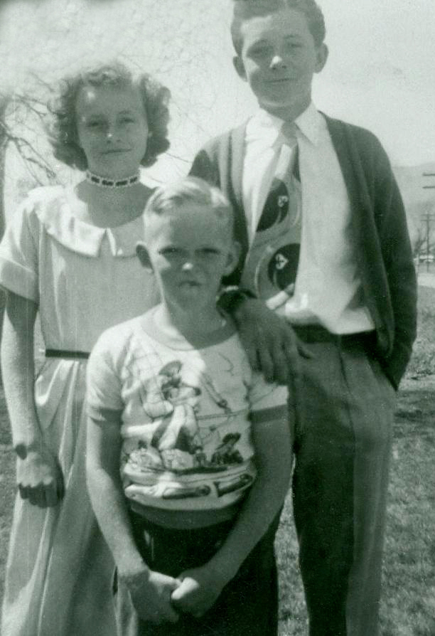 Kathryn Mortensen Holdaway | Walker Funeral Home